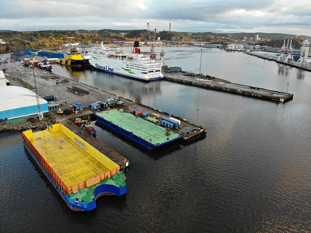barge Sandinge barges towing Sweden swedish towing